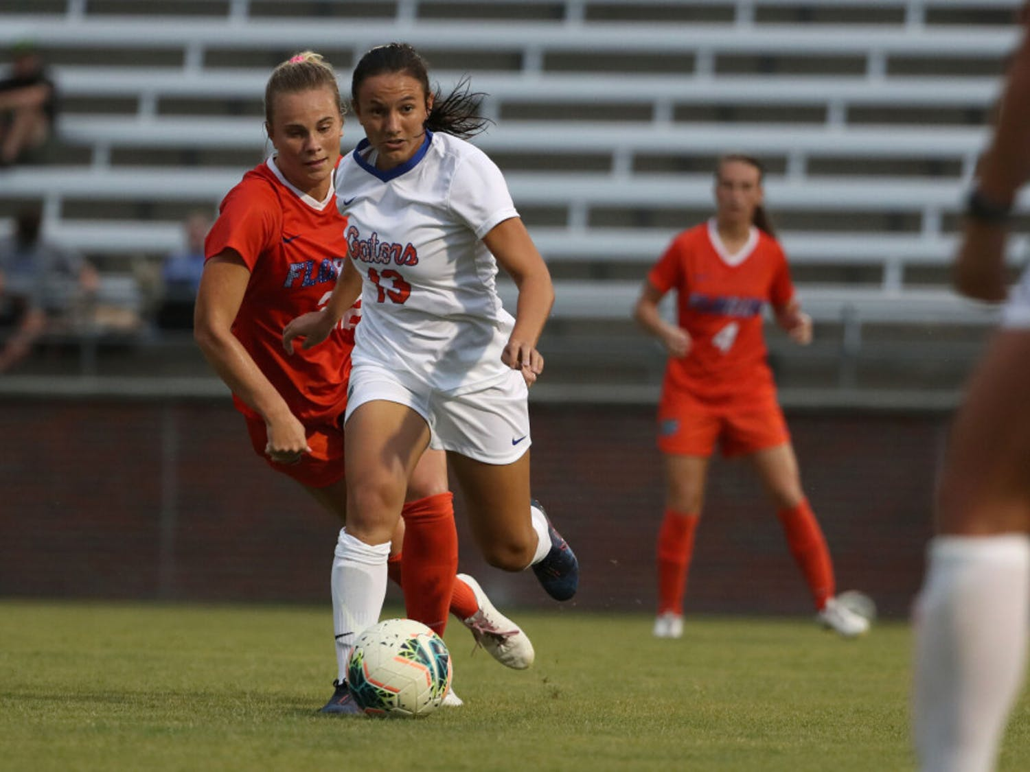 Florida's Izzy Kadzban dribbles the ball on a run during the Gators' COVID Cup scrimmage on Thursday, August 20, 2020 at Donald R. Dizney Stadium in Gainesville, Florida. Photo courtesy of the UAA.