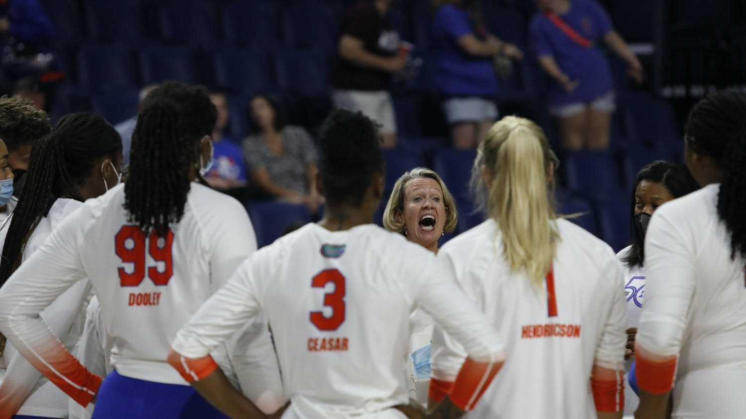 Florida coach Mary Wise talks to her team during a Sept. 24 game against Miss. State.