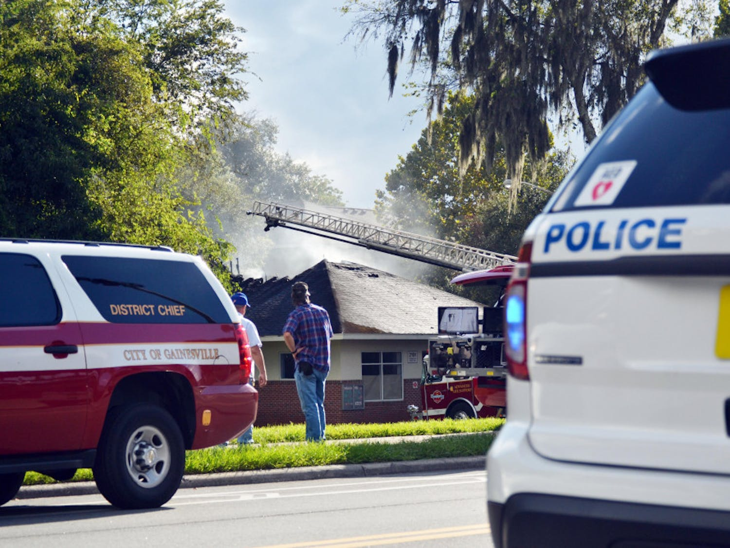 Smoke rises from UF Keys Residential Complex after a fire started in the laundry room Sept. 19, 2015. According to UPD spokesman Maj. Brad Barber, a residential assistant called GFR around 4:30 p.m.