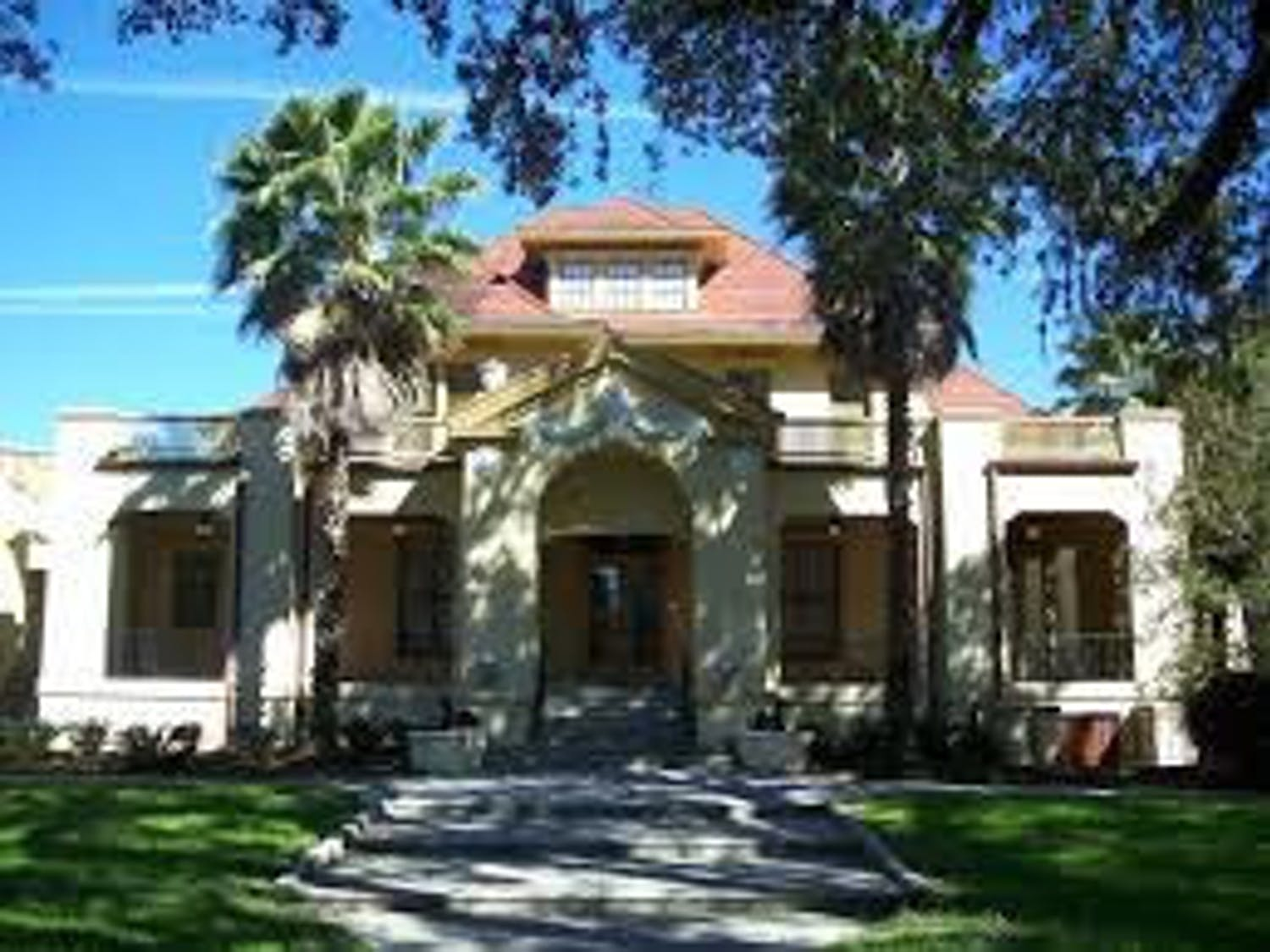 The Historic Thomas Center works as acultural eventscenterfor the community and surrounding areas ofGainesville,Florida.
