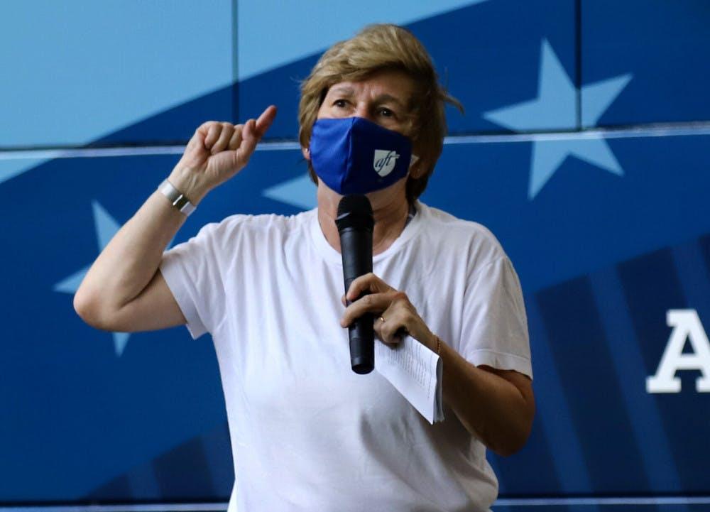 A picture of Randi Weingarten giving a speech