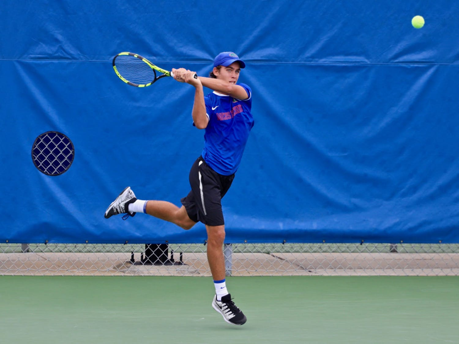Sophomore Blaise Bicknell won a singles match against Georgia on Friday at the Southern Intercollegiate Championships.