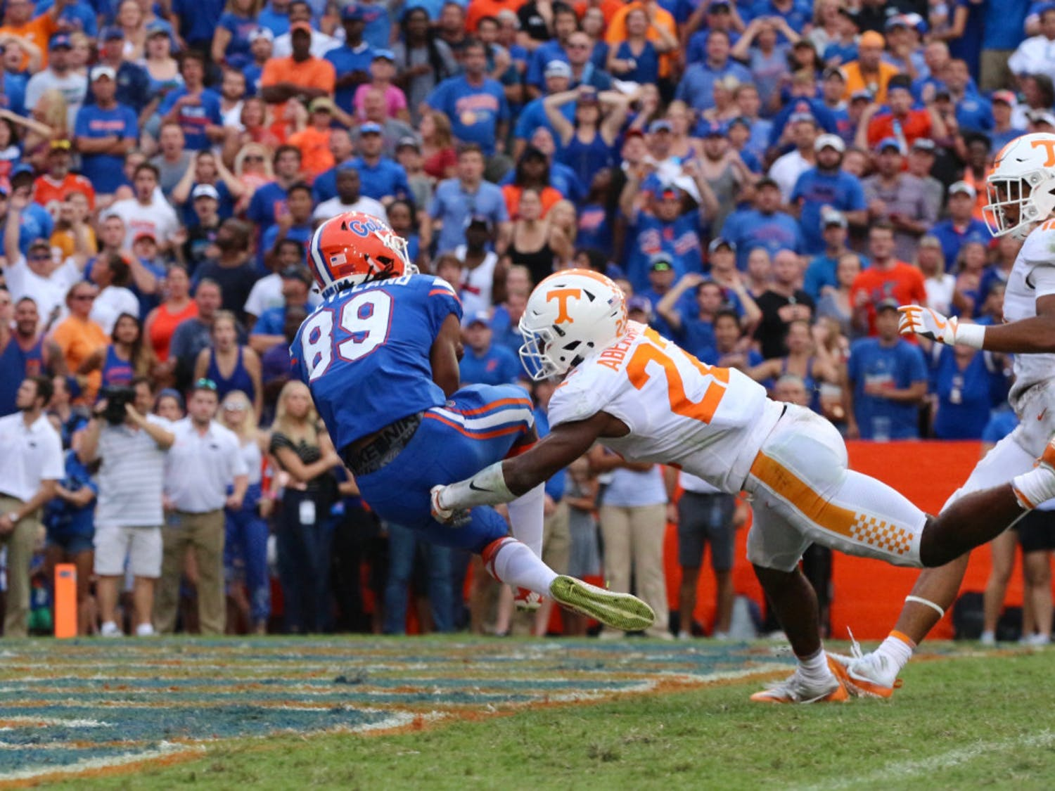 UF wide receiver Tyrie Cleveland makes the game winning touchdown catch in Florida's 26-20 win against Tennessee at Ben Hill Griffin Stadium.