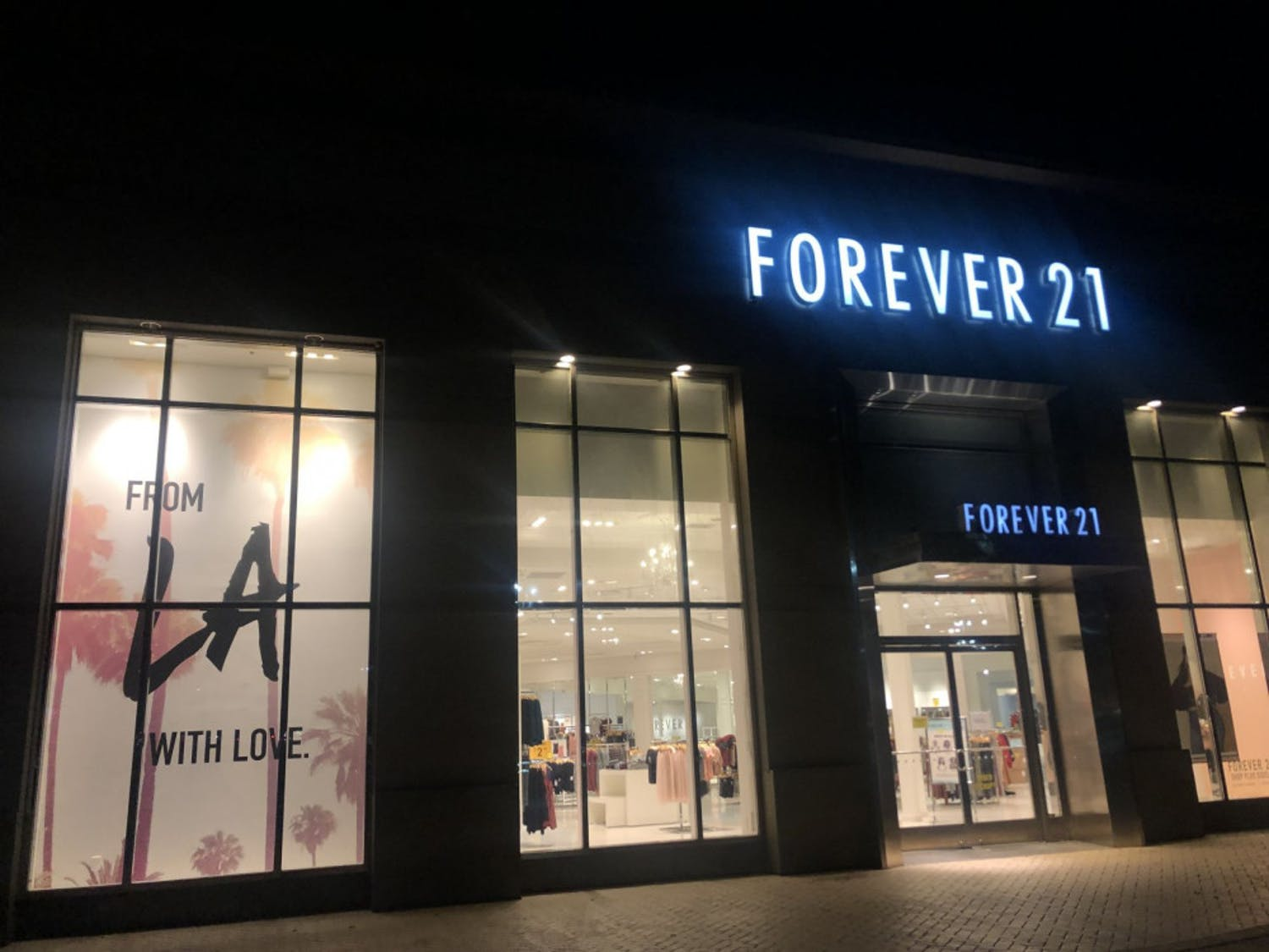 The Oaks Mall Forever 21, which will be staying open despite the company's recent bankruptcy.