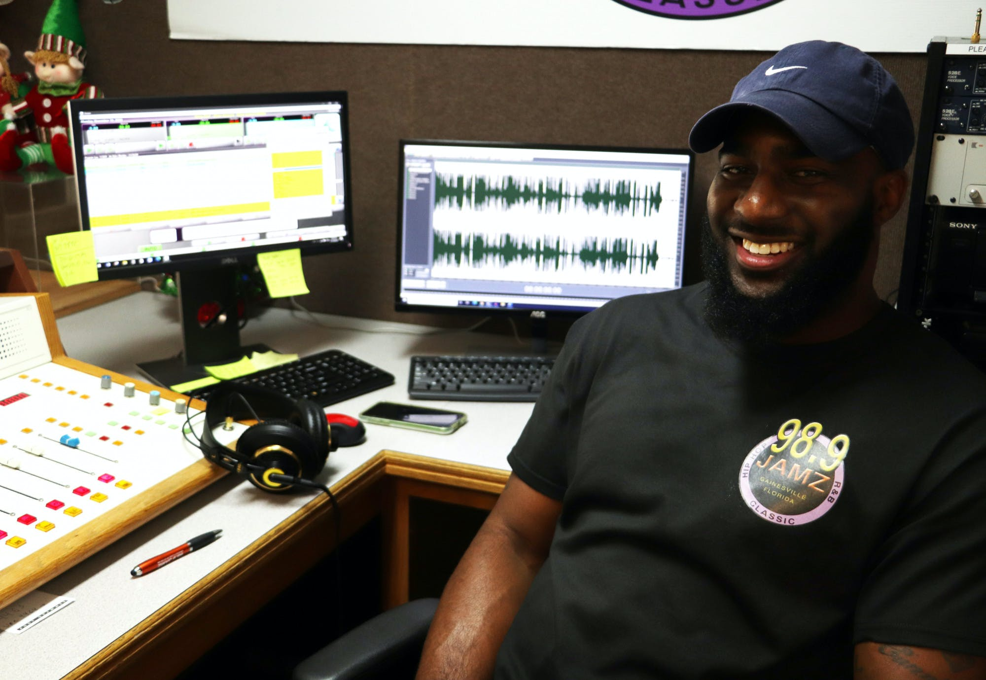 A picture of Ardell Wright at the 98.9 Jamz studio