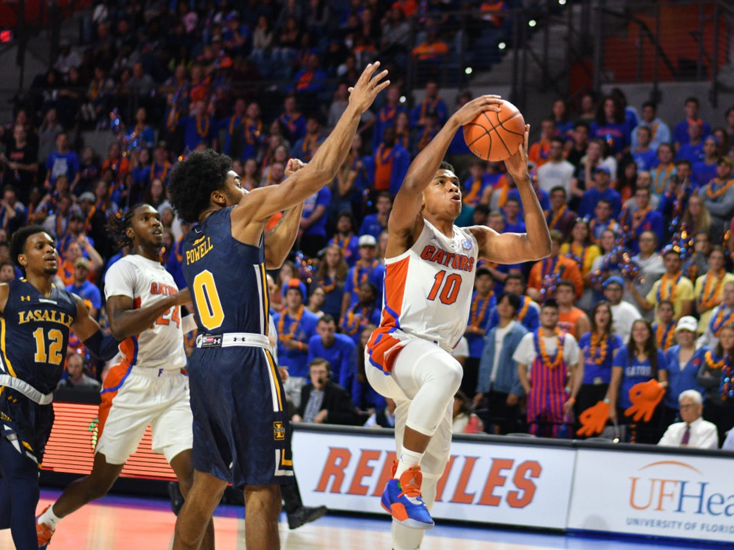 Guard Noah Locke (10) started instead Jalen Hudson and contributed 11 points in Florida's 72-49 win over Stanford.