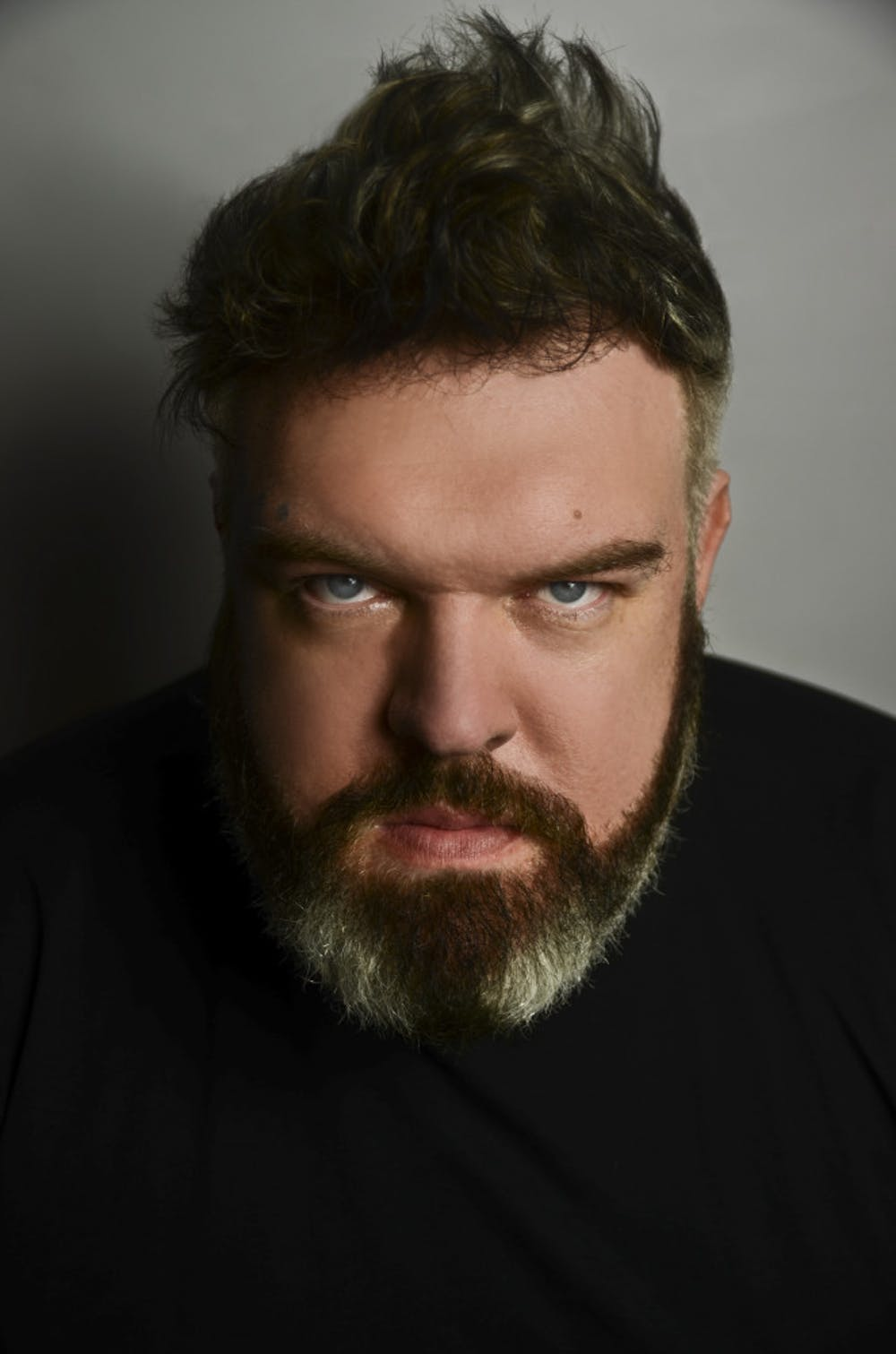 """<p><span id=""""docs-internal-guid-c9ae3354-a04d-1533-d6e5-fbad919377e9""""><span>Kristian Nairn, who plays Hodor on """"Game of Thrones,"""" will perform a live DJ set at Simon's Night Club downtown tonight at 10 p.m.</span></span></p>"""