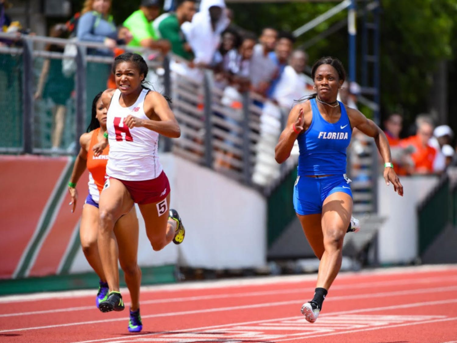 Shayla Sanders runs the 100-meter dash at the Hurricane College Invitational on March 25, 2017.