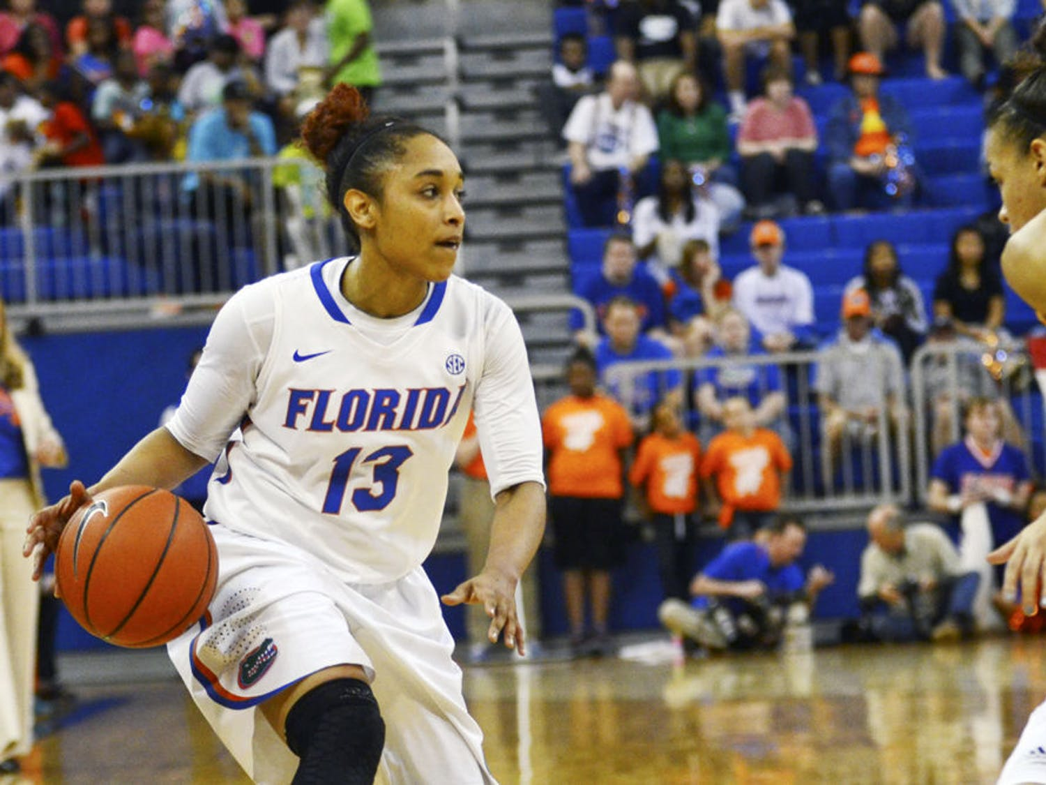 Cassie Peoples drives down the court during Florida's 64-56 loss to No. 6 Tennessee on Feb. 8, 2015 in the O'Connell Center.