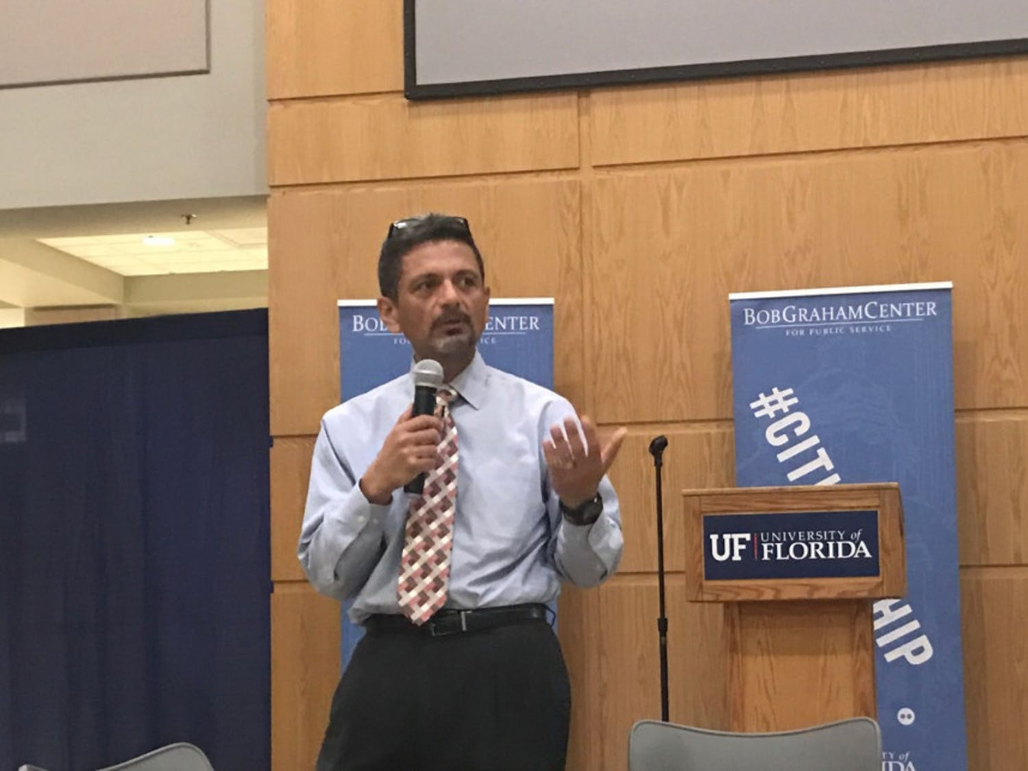 UF Chief Diversity Officer Antonio Farias met with about 35 students in Pugh Hall Tuesday night to talk about the importance of promoting inclusion on campus.