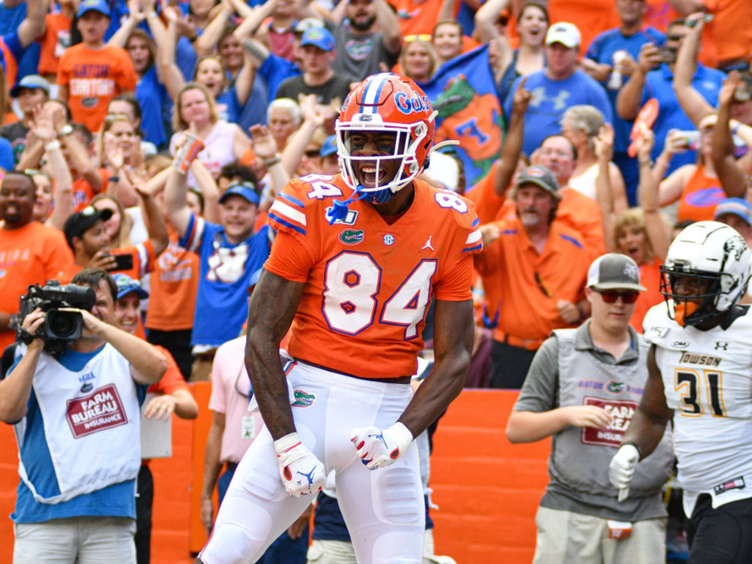 Tight end Kyle Pitts caught two touchdowns as UF defeated Towson 38-0.