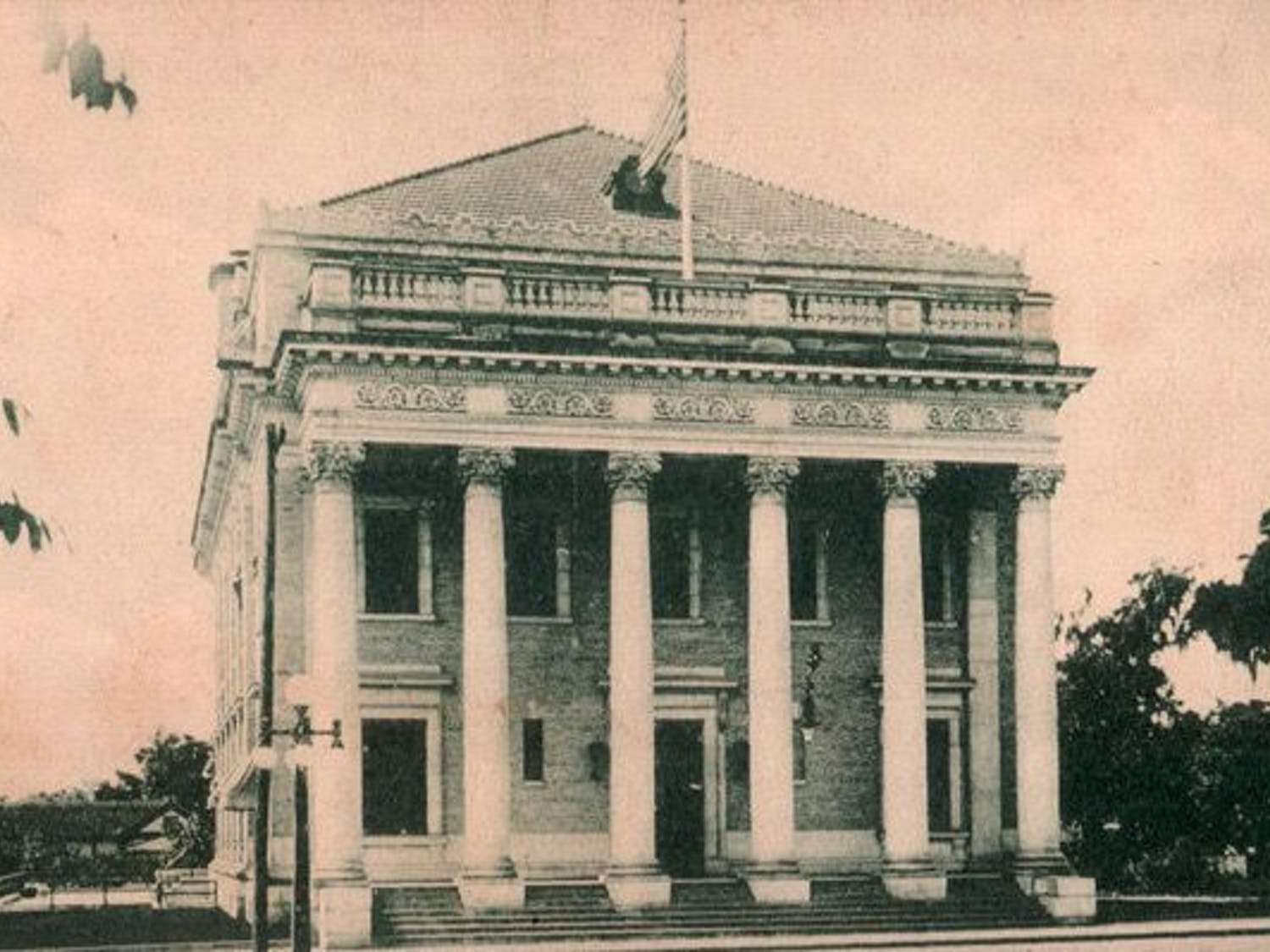 The building at25 Southeast Second Placenow houses the Hippodrome State Theatre, but began its life as a federal courthouse and post office in 1911.