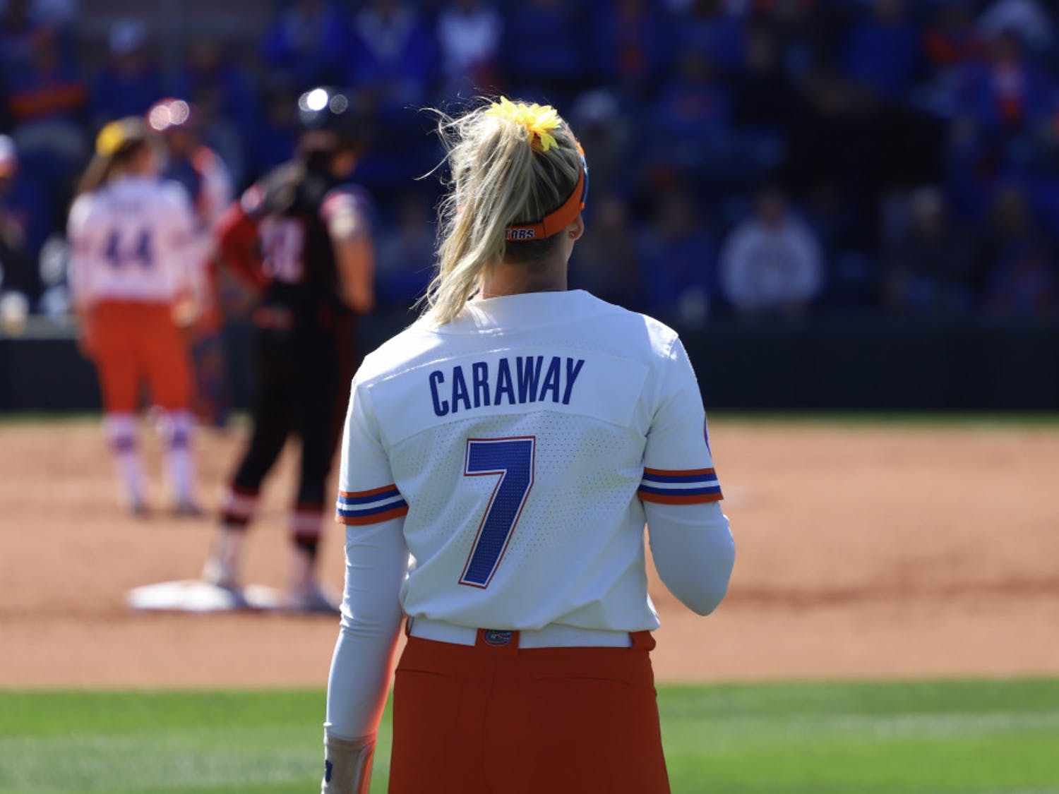 Jade Caraway stands in the outfield during the Gators' series versus the Louisiana Ragin' Cajuns last season.