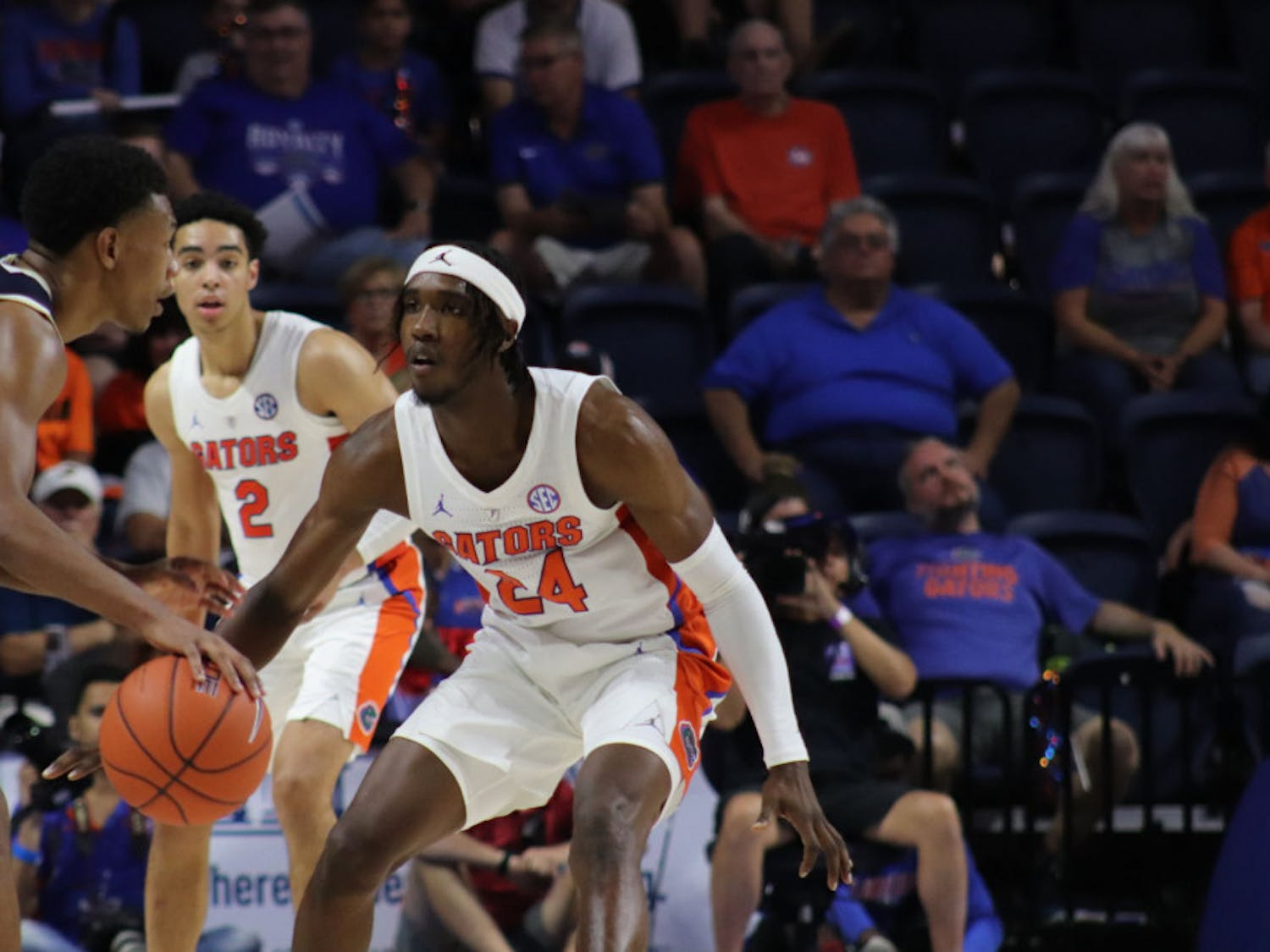Florida guard Deaundrae Ballard leads the Gators with 10.9 points per game.