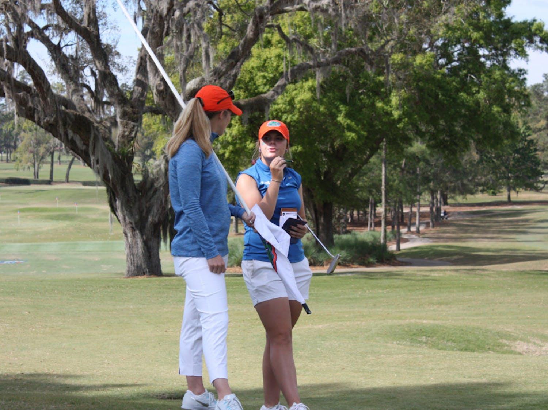 Senior Marta Perez has been a mentor to freshman Marina Escobar Domingo.