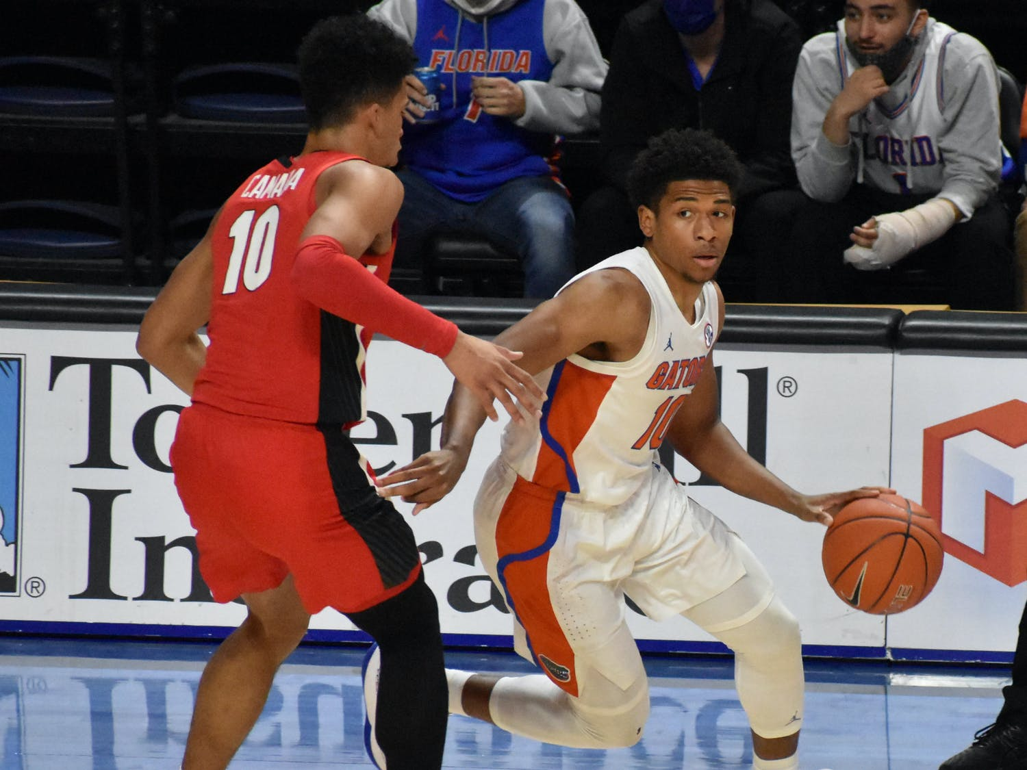 If the Gators come out with the right defensive intensity, they will create turnovers and prevent the Tigers' offense from establishing a rhythm. Photo from UF-Georgia game Saturday.