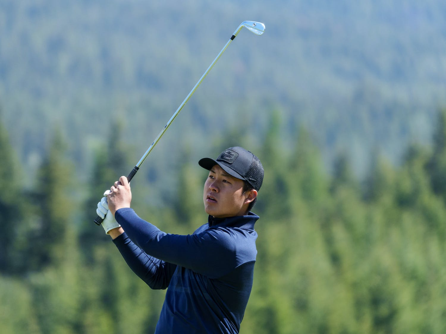 Florida's Yuxin Lin of the Florida men's golf team competes in the first round of the 2021 NCAA  Cle Elum Regional at Tumble Creek Golf Club in Cle Elum, Wash., on May 19, 2021. (Photography by Stephen Brashear/Red Box Pictures)