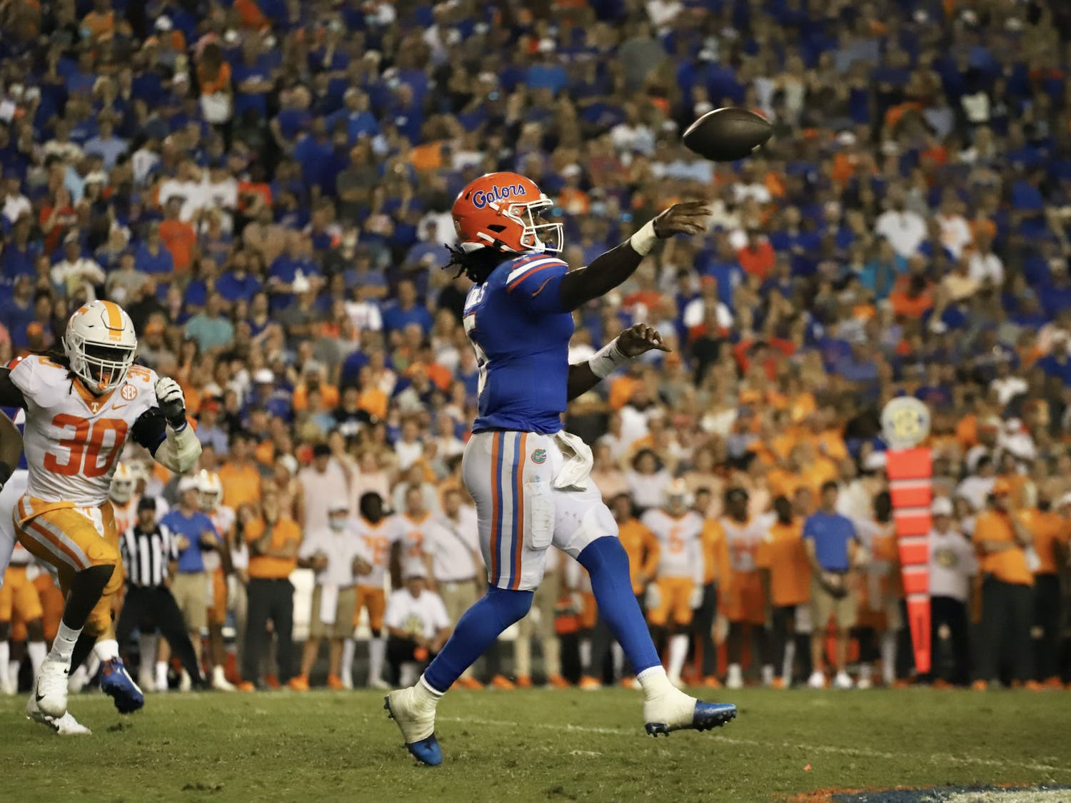 Florida quarterback Emory Jones winds up to throw against Tennessee during the Gators' 38-14 victory on Sept. 25, 2021.