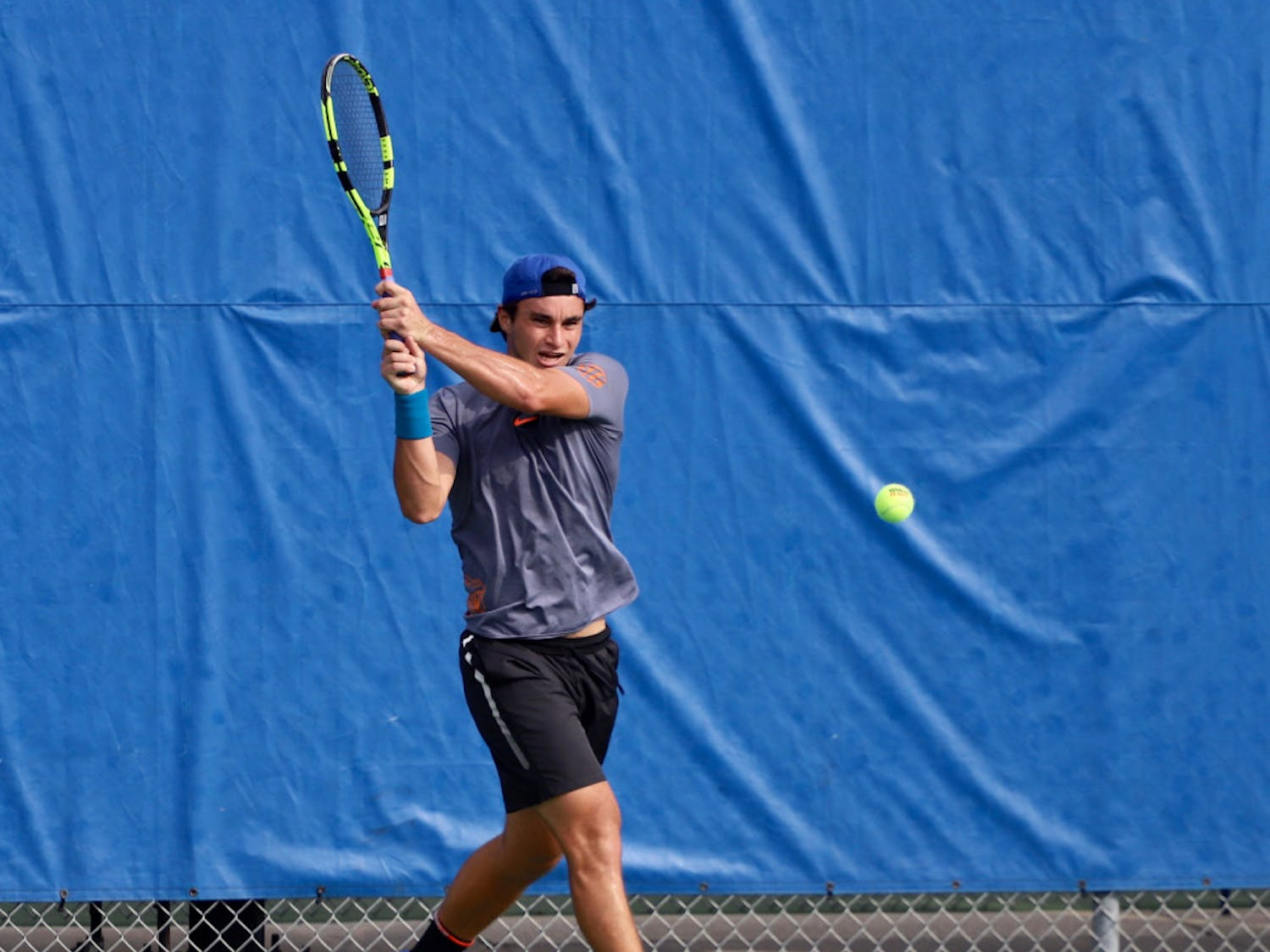 Senior captian Duarte Vale won five of six matches in the Gators' first tournament of the 2020 fall season.