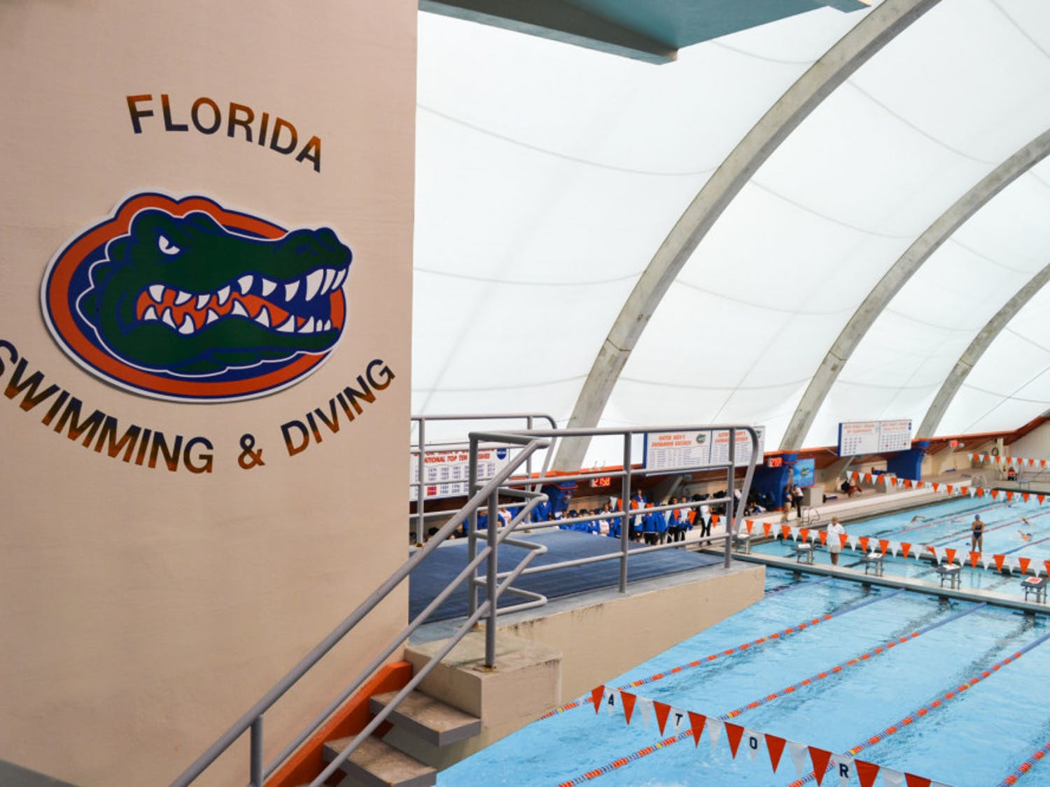 Florida's men's and women's diving teams had three top-five finishes and two top-ten finishes on Day 1 of the Auburn Invitational.
