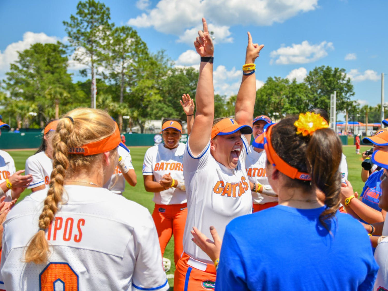 The Florida softball team advanced to the NCAA Super Regional on Sunday with a 5-0 win over Boise State.