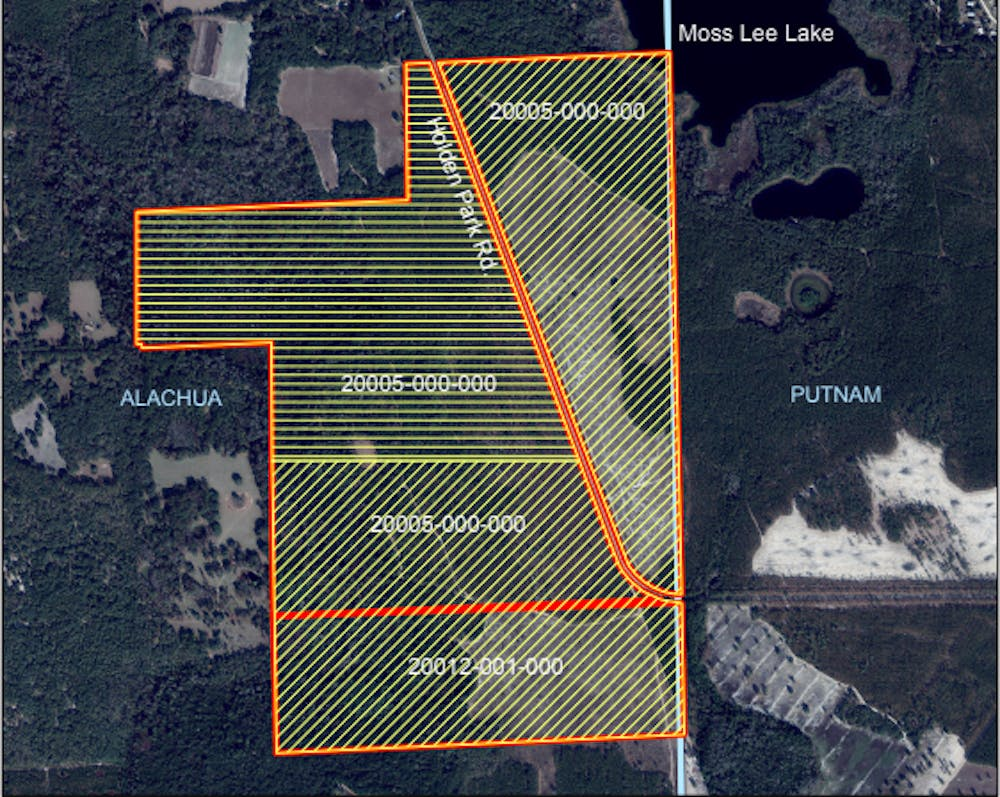 """<p><span id=""""docs-internal-guid-ebe66032-7fff-1cc7-6742-e46db19aa618""""><span>The preservation encompasses almost 600 acres and is located on the Putnam County line near Lochloosa Lake, said Sandra Vardaman, the land conservation program supervisor for the county's Parks and Conservation Lands Program.</span></span></p>"""