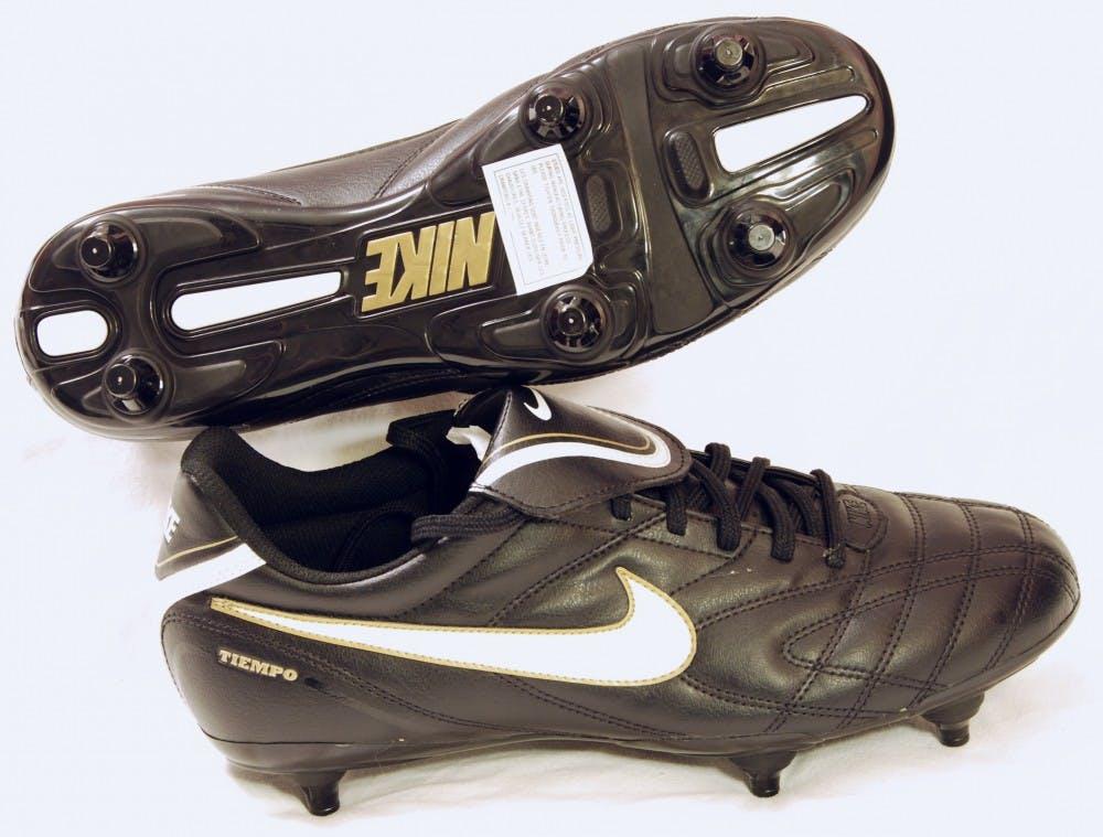 Nike_Fussballschuhe_mit_Stollen