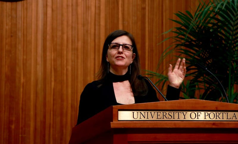 Rebecca Skloot speaks on campus during Diversity Dialogues.