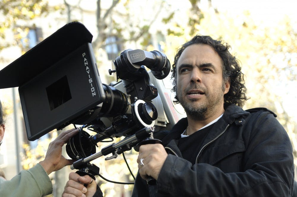 alejandro-gonzalez-inarritu-with-a-camera-in-production
