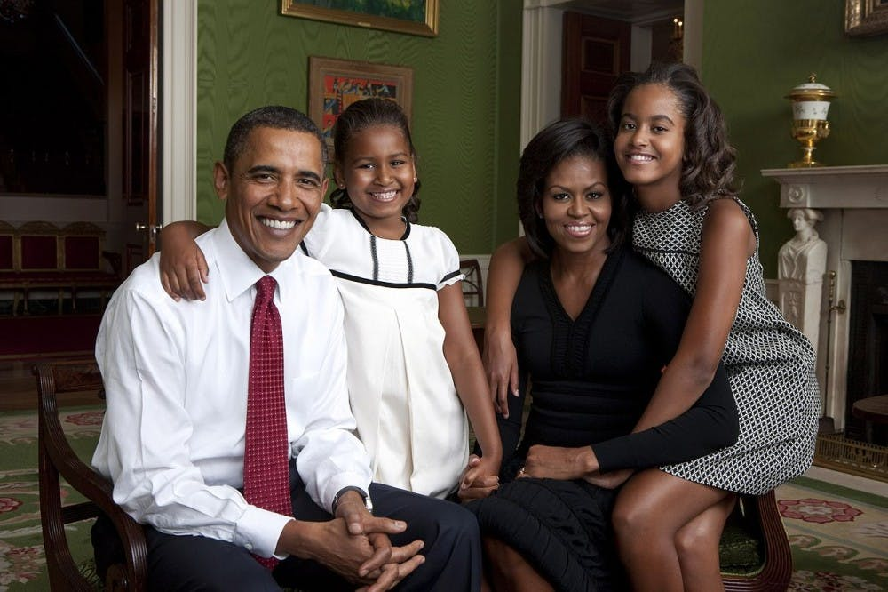 1280pxobama_family_portrait_in_the_green_room