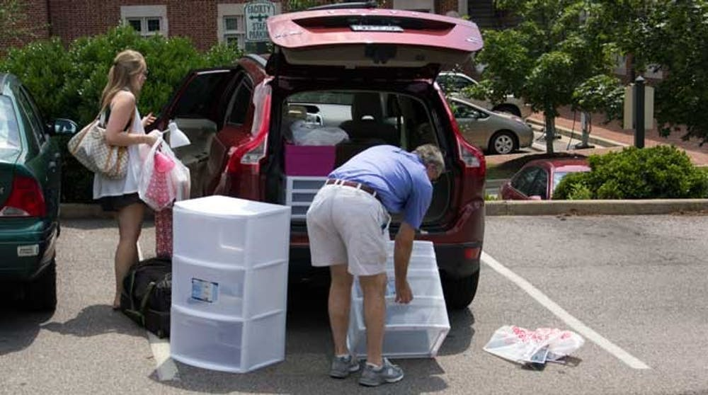 Firstyear_unloads_car