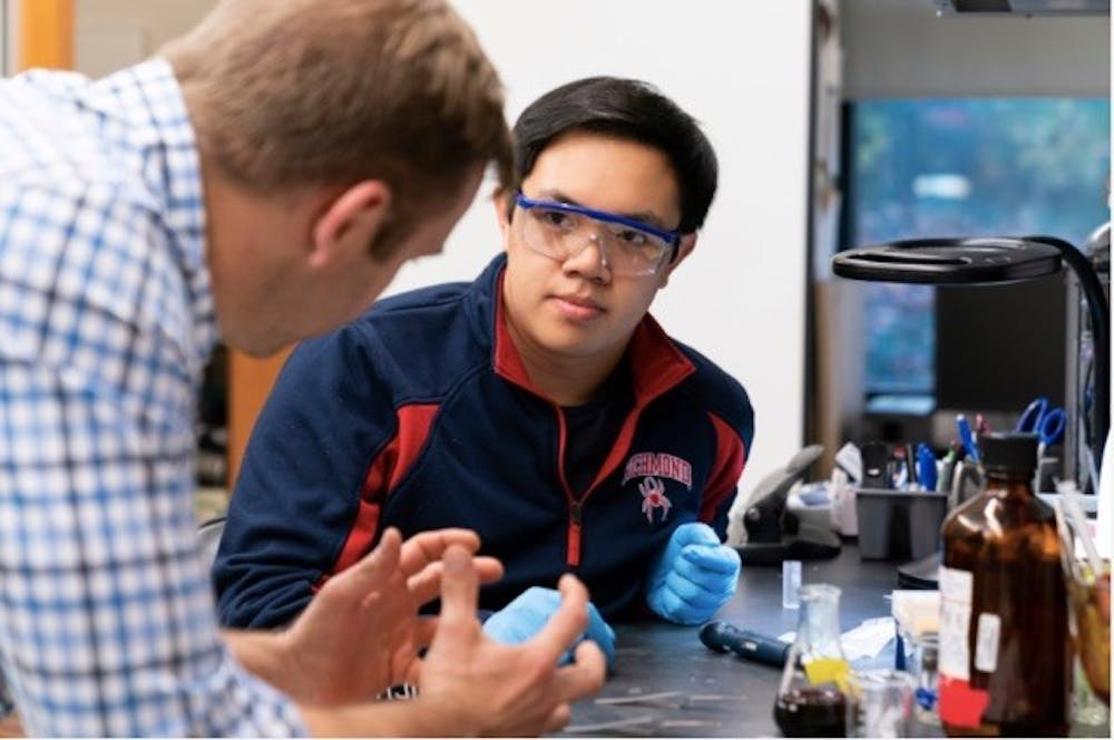 <p>Ryan Coppage (left) and Nathan Dinh (right) in the Gottwald Center for the Sciences researching safe ceramic coatings.&nbsp;</p>