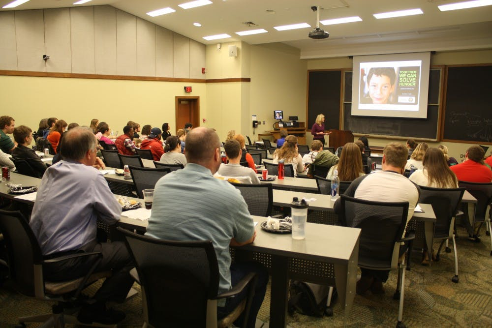 <p>Students and faculty attend a presentation related to One Book One Richmond.</p>