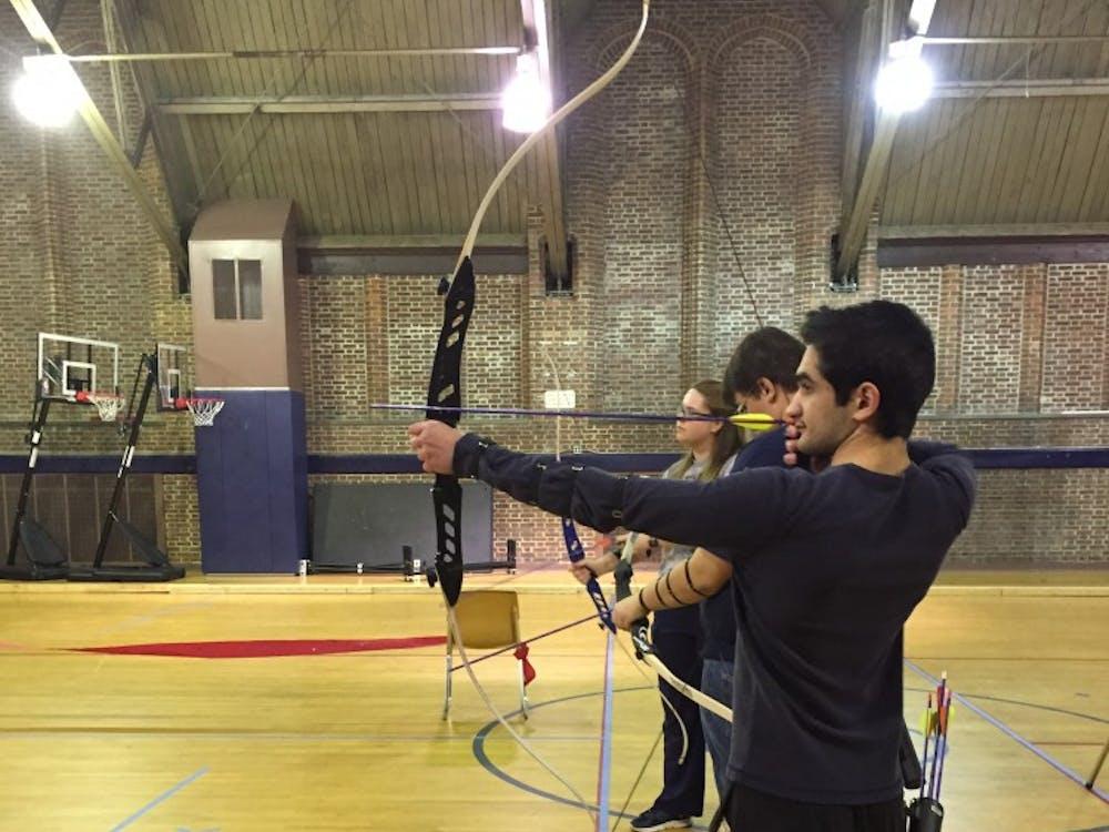 Abdulla Al Qubaisi preparesto shoot at the introductory practice.