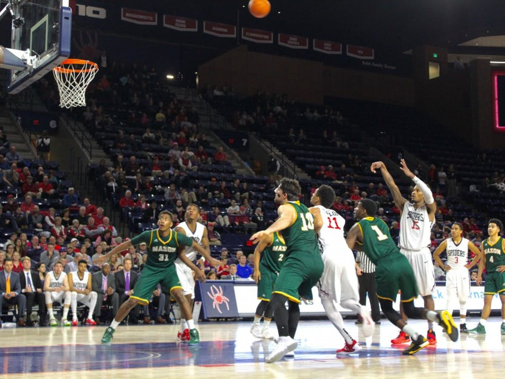 Spiders fall to George Mason in tight contest. Photos by Eibhlin Villalta