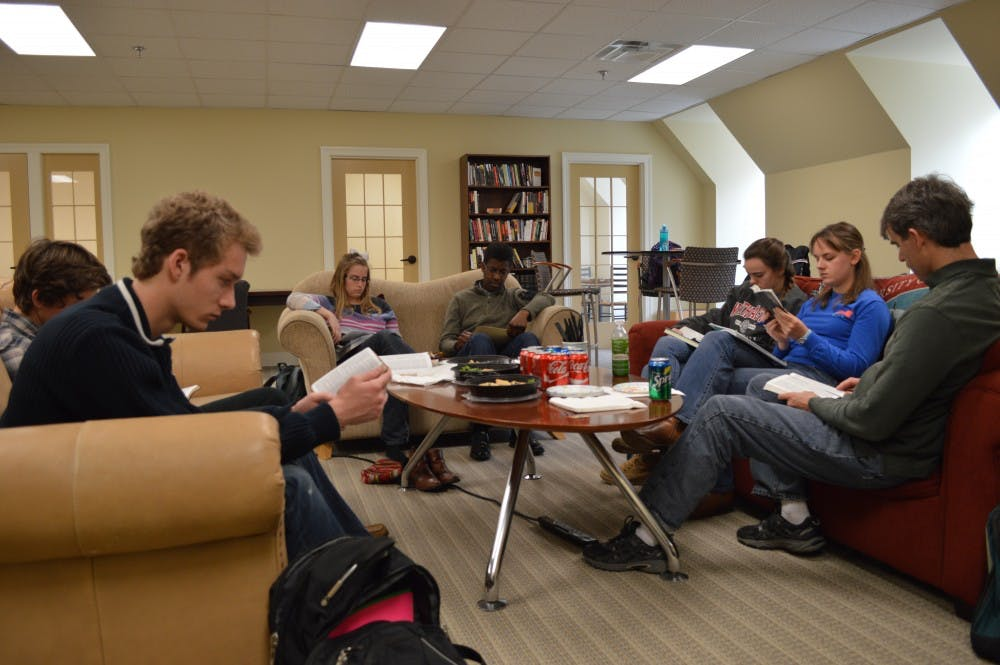 <p>Students participate in a group discussion at the Richmond&nbsp;Center for Christian Study. Photo courtesy of the University of Richmond.&nbsp;</p>