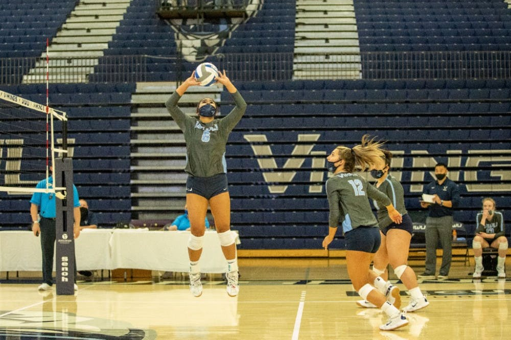 VOLLEYBALL-GAME-COVERAGE-4_23_21