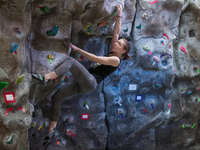 Climbing01_4-1-scaled