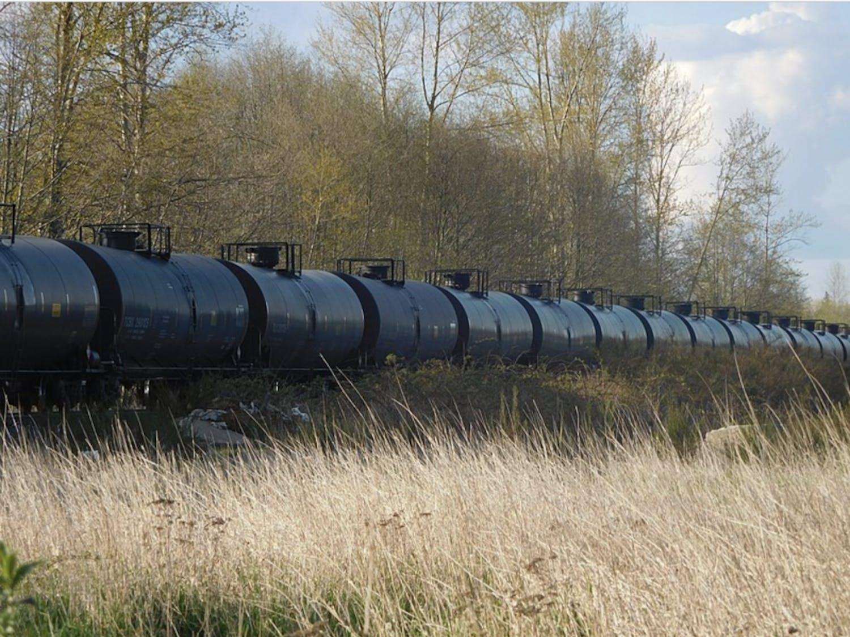 Oil-Train-Ferndale-1